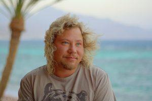 Anton Nesvitsky découvre les joies de la liberté financière en Egypte